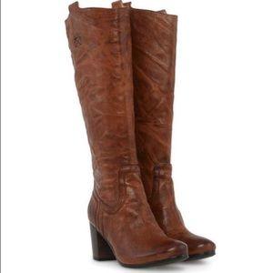 NWT Frye Carson Mid Heel Tab Cognac Boots
